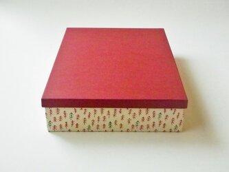 A4紙箱『レッドツリー』の画像