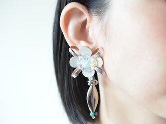 Flower Petal〝silver〟【レザーピアス/イヤリング】の画像