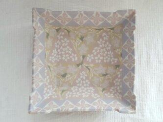 花小紋 小皿 ピンク マット釉薬の画像