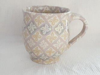 練上 丸マグカップ中 花菱文PG 透明釉の画像