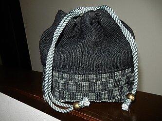 裂き織りの巾着 モノトーンの画像