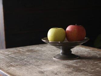 陶器のコンポート グレージュ 稜花型の画像