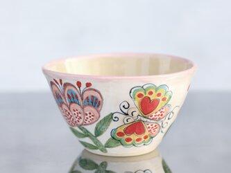 花と蝶絵の飯椀(大)(ピンクの縁取り)の画像