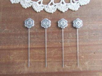 シルバーメタル花ビーズの待ち針 4本セットの画像