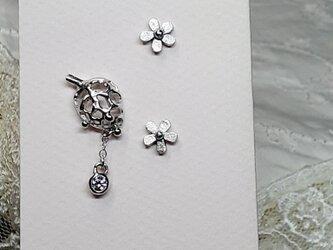 小花と葉っぱのピアス 3点セットの画像