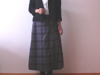 チェック柄 台形ラップスカートの画像