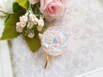 チェコガラスボタン 白いお花のポニーフック の画像