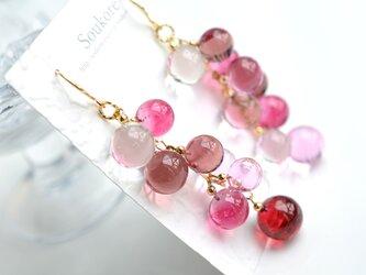pink ballアシンメトリーピアス&イヤリング(ロングver.)の画像