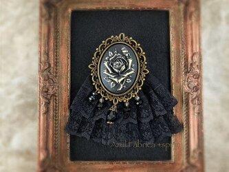 ブローチ:Noir (rose)の画像