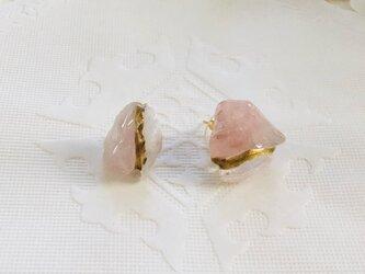 金継ぎx天然石ピアス(ディープローズクォーツ、クリスタル)の画像