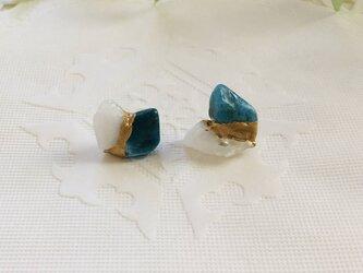 金継ぎx天然石ピアス(アパタイト、クリスタル)の画像