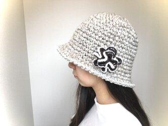 クロッシェ帽子 ベージュの画像