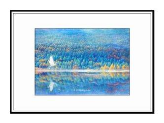 「キセツの1ミリの隙間を泳ぎ飛ぶ」 ほっこり癒しのイラストA4サイズポスター No.755の画像