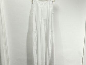 裾ボーダーレースのシュミーズドレス(白)の画像