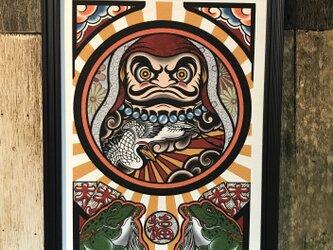 縁起物 刺青ダルマ 鶴 タトゥー イラスト A4サイズ 黒フレームの画像