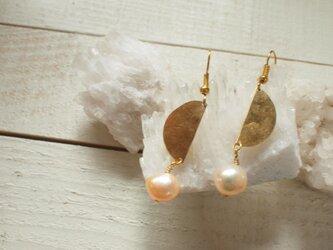 真鍮と真珠のピアス・イヤリング フック14kgf変更無料の画像