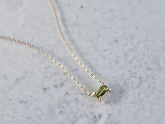 Peridot baguette necklace [P086K10YG(PE)]の画像