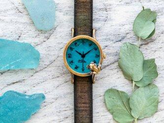 池をのぞく蛙腕時計S渋青緑江戸文字の画像
