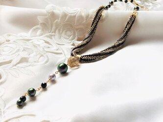 《おしゃれ好きな方へのプレゼントにも》着けて見たくなる 大人シャープなネックレス.ღ コットンパール天然石オブシディアンの画像