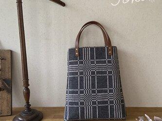 bag[手織りAライン手提げバッグ]チャコールグレーの画像