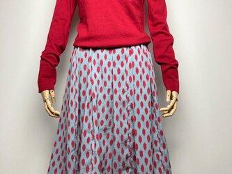 【着物リメイク】タック&ギャザースカート/ブルーグレー地に赤変形ドットの画像