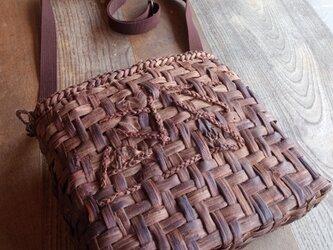 貴重な山葡萄の蔓で編んだショルダーバッグNEW【大】の画像