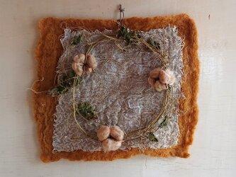 ゴーヤの蔓のリース 秋の装いの画像