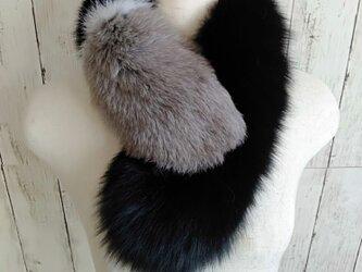 ¶ new antique fur ¶ ブラック/ホワイト/グレーフォックスショールマフラーの画像