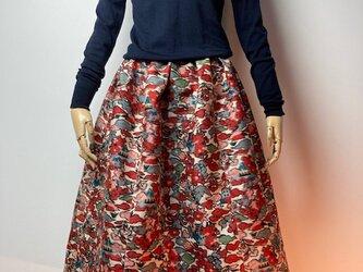 【着物リメイク】タック&ギャザースカート/オフ白地に草花・建物の画像