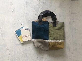 """リネンのトートバッグ """"マチたっぷりのお散歩BAG""""の画像"""