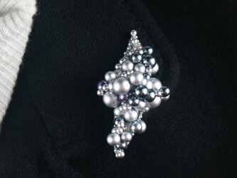 銀の水玉の画像