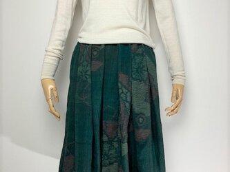 【着物リメイク】タック&ギャザースカート/グリーン地・紬・横絣・扇の画像