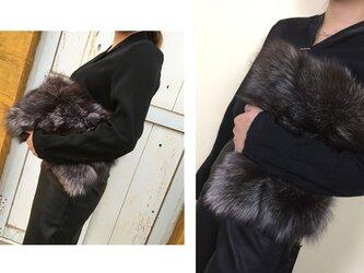 ¶ new antique fur ¶ シルバーフォックスファークラッチバッグの画像
