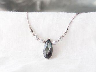 Black×Silver Shine Short Necklaceの画像