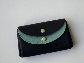 ピッグスキンの小さなお財布 黒×ターコイズグリーンの画像