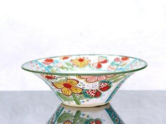 花と蝶絵のリム大鉢の画像
