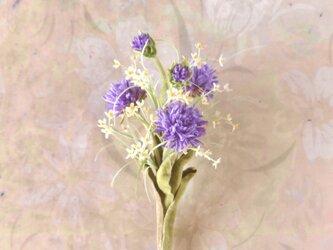 小花にマミレル まゆ玉アザミ * 綿ローン製 * コサージュ ブローチの画像