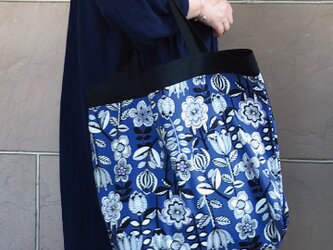 コンパクトおかいものかばん ブルーパープル花 受注製作の画像