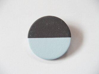 POINT HALF brooch Black / Blueの画像