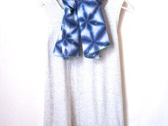 花の輪(黄緑の端ver.)*雪花絞りの日本製ダブルガーゼ首巻きの画像