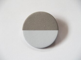 POINT HALF brooch Gray/ Whiteの画像