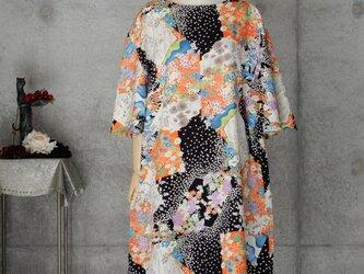 着物リメイク フリル袖 チュニックワンピース/四季の花々/フリーサイズの画像