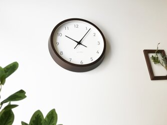 KATOMOKU muku round wall clock 7 km-60BRC ブラウン 電波時計の画像