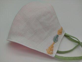 刺繍❁ホワイトリネン100%立体マスク(調節ゴム・ポケット付き)の画像