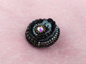 黒&ガンメタ circle broochの画像