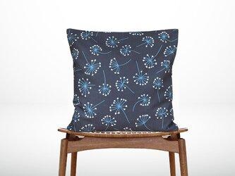 森のクッション a flowering plant back navy blue -ヒノキの香り-の画像
