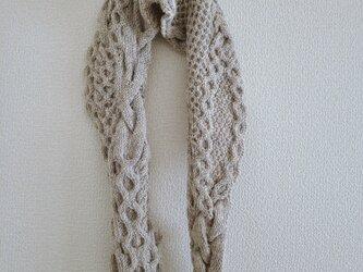 47.ベーシックな色のなわ編みショール〈ベージュ〉の画像