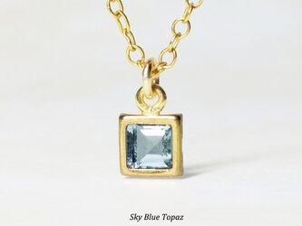 【11月誕生石】輝く空色。スカイブルー・トパーズのネックレス [送料無料]の画像