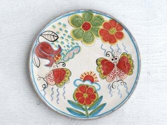 赤いチューリップと蝶絵の平皿の画像