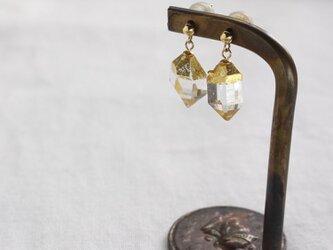 """""""漆塗り""""ハーキマーダイヤモンドの""""木の実""""ピアス Herkimer Diamonds """"Nuts"""" Earring K18の画像"""